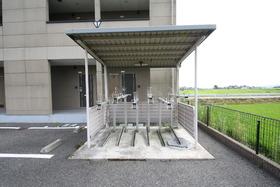 https://image.rentersnet.jp/16837874-d647-42e6-81c6-ca7f8dc01c6d_property_picture_2988_large.jpg_cap_駐輪場