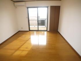 https://image.rentersnet.jp/169cf535-1f28-48aa-b17e-0fbf818b0ccf_property_picture_957_large.jpg_cap_居室