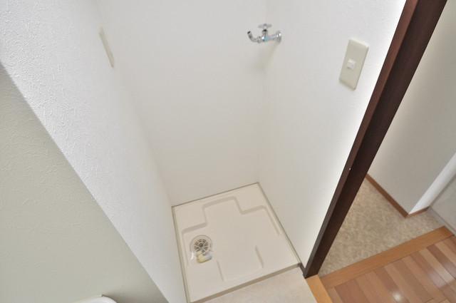 シャトー雅 室内に洗濯機置き場があれば雨の日でも安心ですね。
