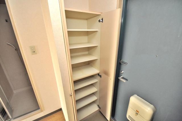 ツインコンフォートハイツ岩崎 玄関には大容量のシューズボックスがありますよ。