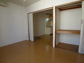 ジョイントファミーユA棟 302号室