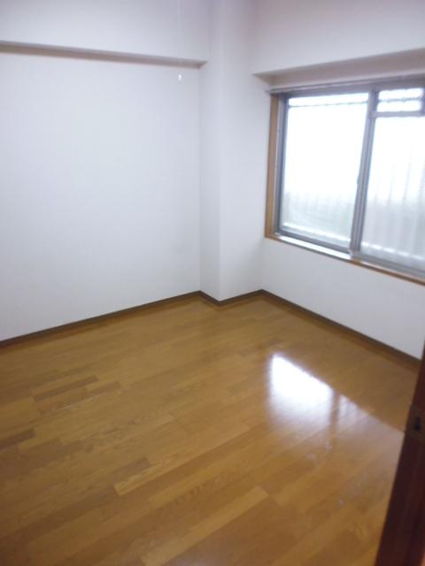 グレイスコート三園居室