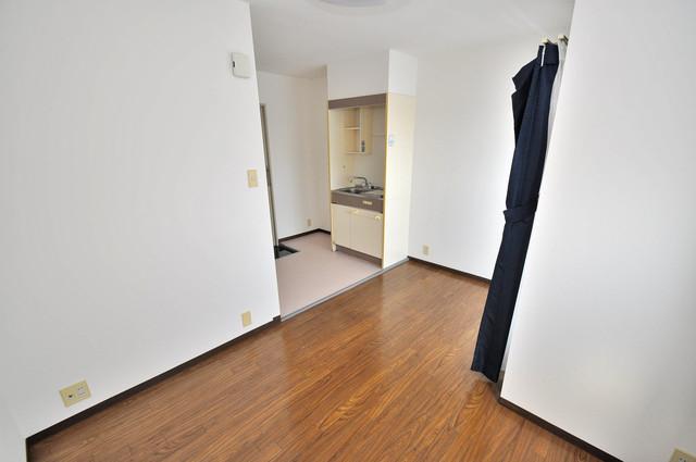 カーサデル吉松 シンプルな単身さん向きのマンションです。