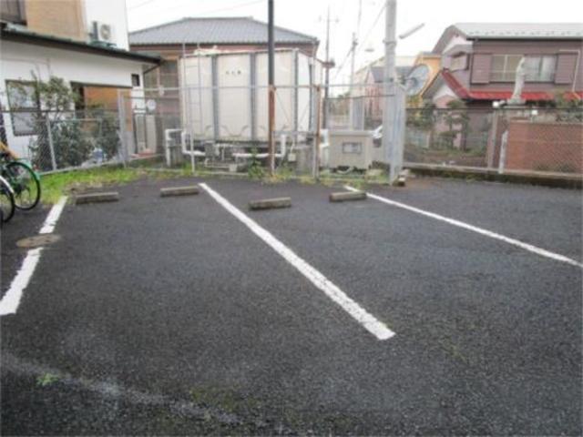 AVENIR駐車場