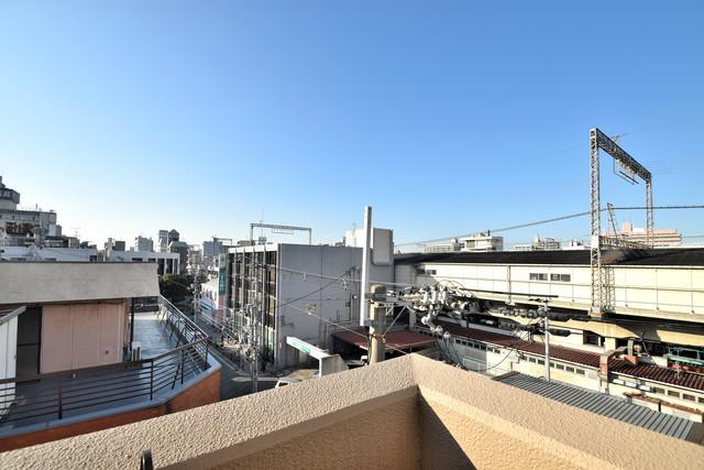 サンピリア小阪 この見晴らしが陽当たりのイイお部屋を作ってます。