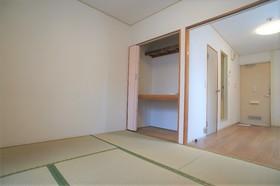 ジョイント・ファミーユB棟 209号室