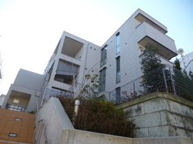 Court Hills Hiyoshiの外観画像