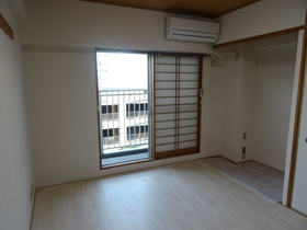 https://image.rentersnet.jp/17cb96a7-a2ee-40d0-a4fb-551d43106685_property_picture_2418_large.jpg_cap_居室