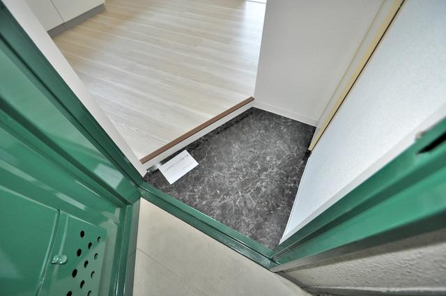 ロータリープロピオ 素敵な玄関は毎朝あなたを元気に送りだしてくれますよ。