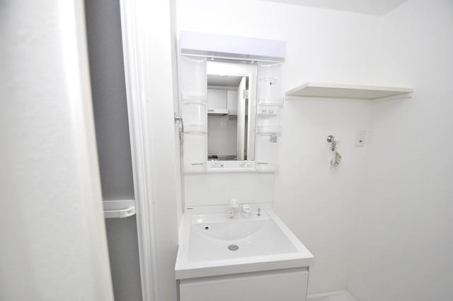 ニューライフ深江南 独立した洗面所には洗濯機置場もあり、脱衣場も広めです。
