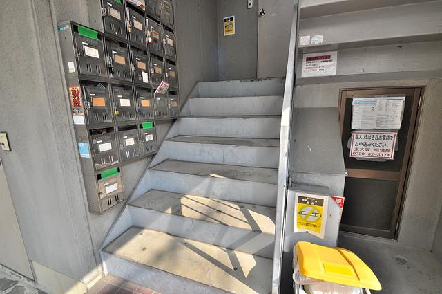 ベルハイム上小阪 エントランス内にある各部屋毎のメールボックス。
