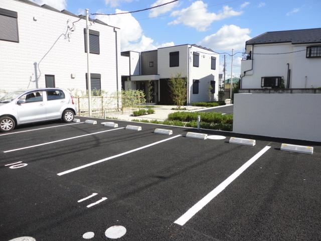 フォレ 武蔵野駐車場