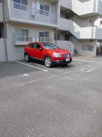 ガーデンハウス綱島B駐車場