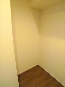 The Residence 田園調布 102号室