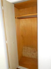 6.1帖洋室のクローゼット