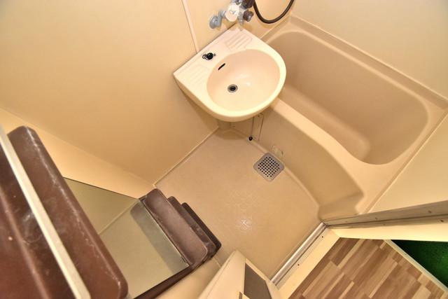 シャトーユキ ちょうどいいサイズのお風呂です。お掃除も楽にできますよ。