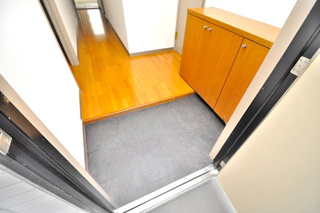 ローズガーデンCOMO 玄関を開けると解放感のある空間がひろがりますよ。