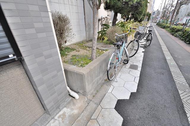 プチコート今里 あなたの大事な自転車も安心してとめることができますね。