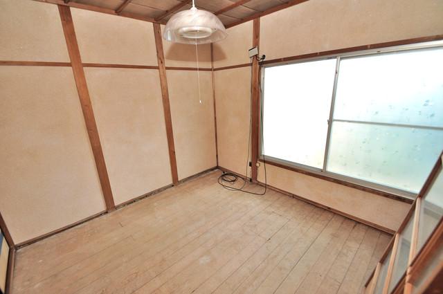 若江本町4-8-40貸家 解放感がある素敵なお部屋です。
