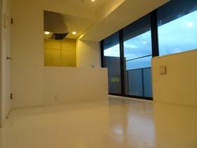 https://image.rentersnet.jp/1a7257e2-a1be-4fe8-9130-c795bca2cf4b_property_picture_958_large.jpg_cap_居室