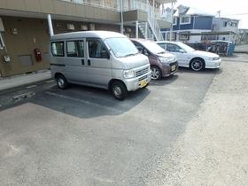 エンゼルハイム駐車場