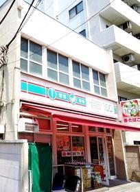 ローソンストア100京急井土ヶ谷店