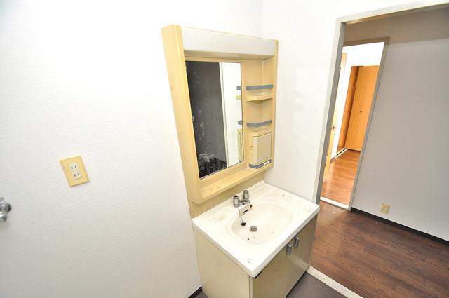 ヴェルドミール舎利寺 人気の独立洗面所はゆったりと余裕のある広さです。