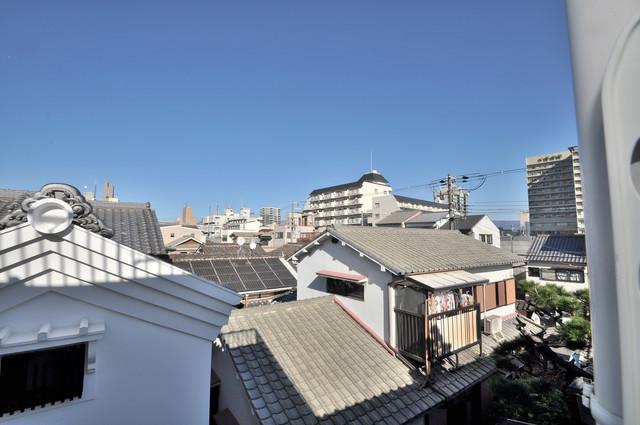 川田マンション この見晴らしが陽当たりのイイお部屋を作ってます。