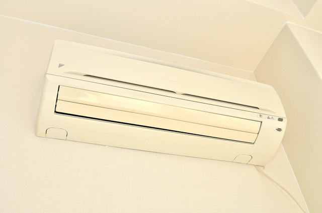 アパートメント生野Ⅲ エアコンがあるのはうれしいですね。ちょっぴり得した気分。