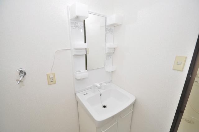 カメリア俊徳道 独立した洗面所には洗濯機置場もあり、脱衣場も広めです。
