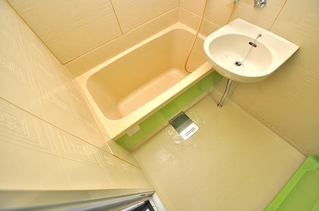 エイチ・ツーオー高井田ビル ゆったりと入るなら、やっぱりトイレとは別々が嬉しいですよね。