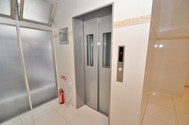 グランスイート 嬉しい事にエレベーターがあります。重い荷物を持っていても安心