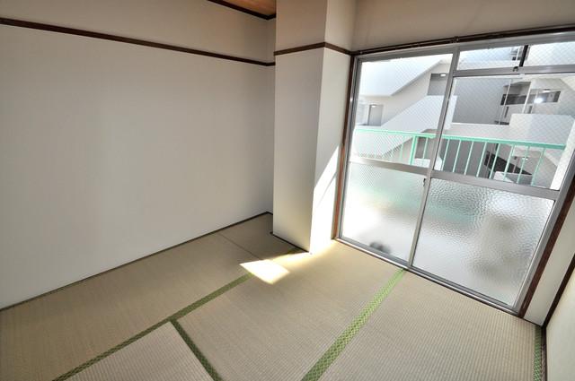 小阪ビル もうひとつのくつろぎの空間、和室も忘れてません。
