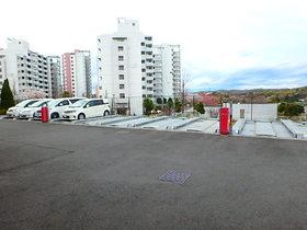 フェリズ南大沢ユーロヒルズ駐車場