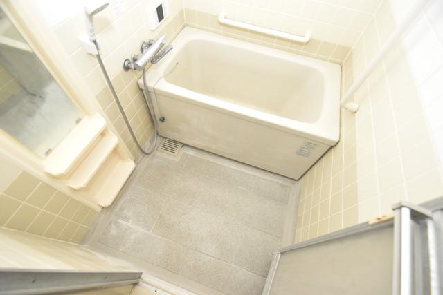 ポルト巽 ちょうどいいサイズのお風呂です。お掃除も楽にできますよ。