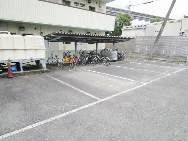 ハイツフォーレスト駐車場