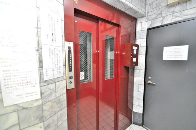 ニッコープラザ平野 嬉しい事にエレベーターがあります。重い荷物を持っていても安心