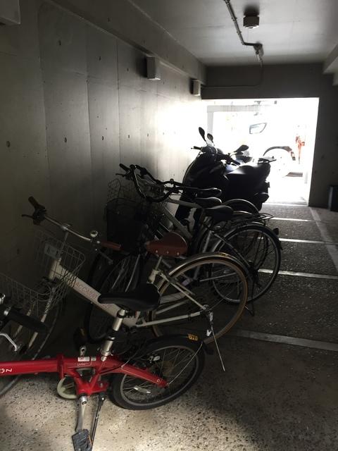パークアヴェニュー駐車場