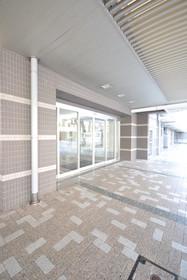 目黒駅 徒歩2分エントランス