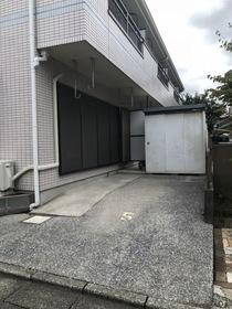 ロイヤルハイム吉原駐車場