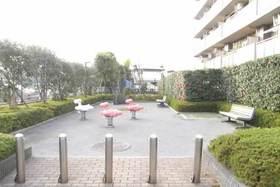 https://image.rentersnet.jp/1d6ff180-e04f-43b0-87a5-5492eee193e3_property_picture_1800_large.jpg_cap_隣接した公園あります