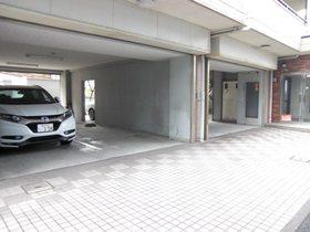 グランデ港南駐車場
