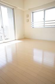 https://image.rentersnet.jp/1d81fc5fc40cd0b73285c5d109b12558_property_picture_961_large.jpg_cap_居室