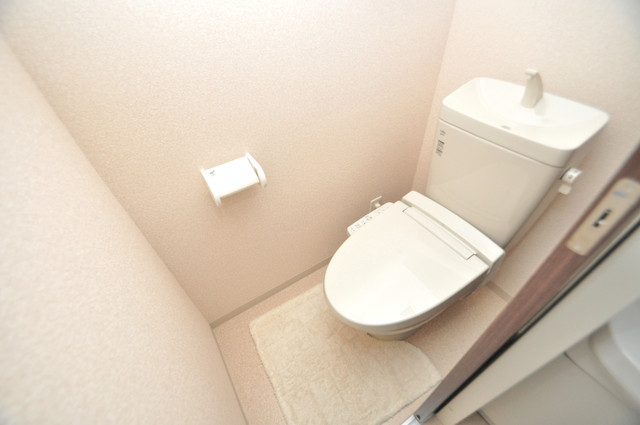 Luxe布施駅前 清潔感のある爽やかなトイレ。誰もがリラックスできる空間です。
