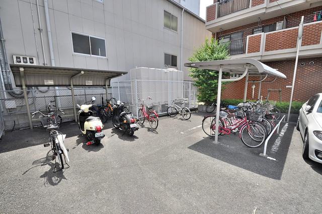 グランドメゾン樋口 敷地内には専用の駐輪スペースもあります。