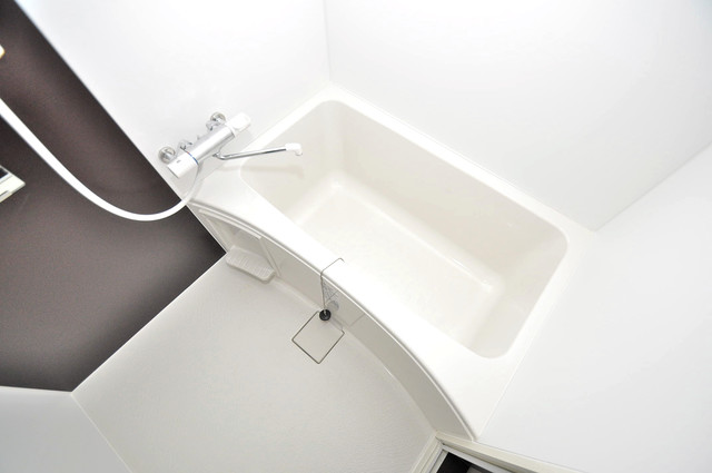 ブライト近大前 広めのお風呂は一日の疲れを癒してくれます