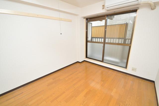 東大阪市小若江3丁目の賃貸マンション 窓があるので風通しが良く、快適な睡眠がとれそうですね。