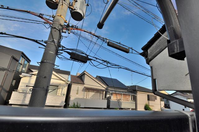 メロディーハイム小阪 この見晴らしが日当たりのイイお部屋を作ってます。