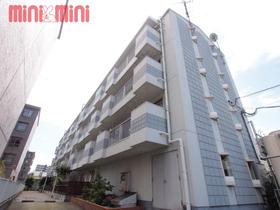 パレーシャル姪浜駅南の大通り沿いにあるマンションです。