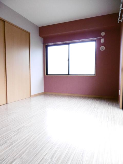 リビング横の洋室